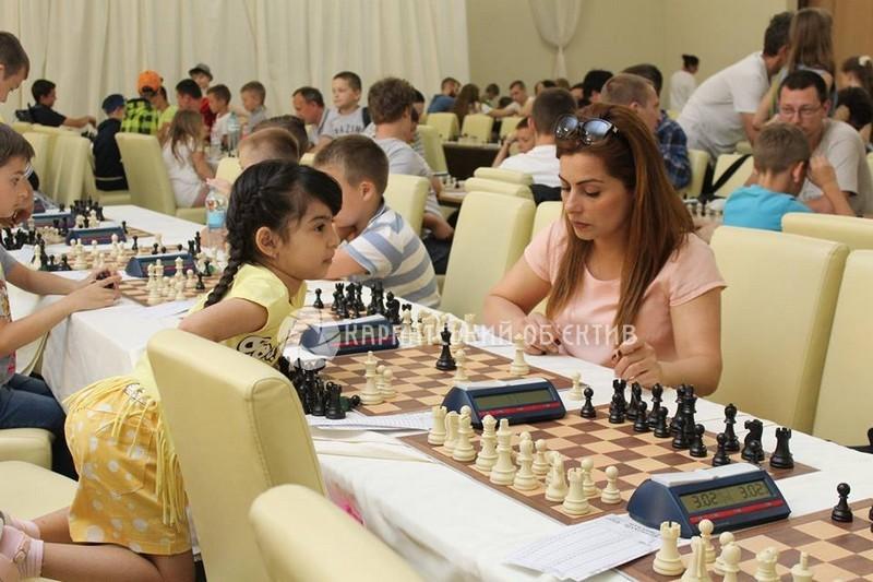У Мукачеві стартував 11 міжнародний шаховий фестиваль «Мукачівське літо 2017». ФОТО