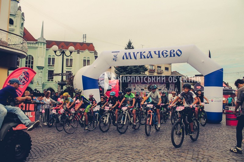 У Мукачеві грандіозно пройшли дитячі гонки «Grand Prix Mukachevo 2017»