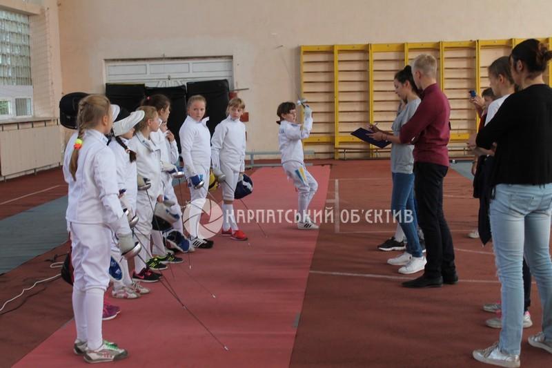 У Мукачеві стартували змагання з фехтування