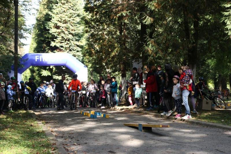 Боздоський парк в Ужгороді перетворився на суцільну територію дитинства