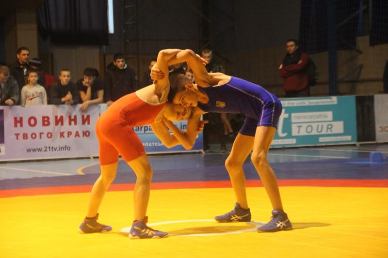 Дві закарпатки стали чемпіонами України з вільної боротьби