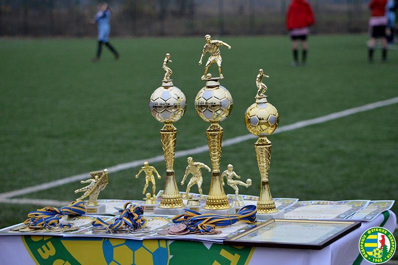 Середнє прийняло рекордну кількість футболісток Закарпаття. ФОТО