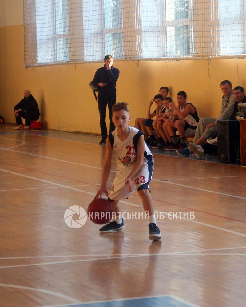 Видовищний чемпіонат Закарпаття з баскетболу подарував сенсацію