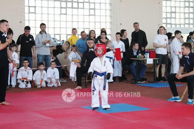 У Мукачеві пройшов чемпіонат з кіокушинкайкан карате