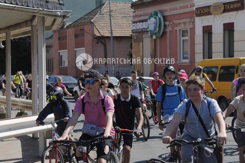 Активно та під музику у Мукачеві пройшов «Сакура Bike Ride»