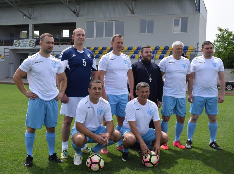 В Ужгороді на стадіоні «Автомобіліст» зіграли благодійний товариський футбольний матч
