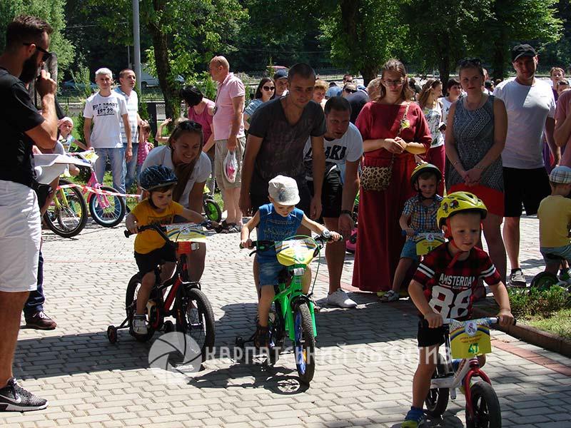 Дитячі велоперегони «Ми – чемпіони» у Хусті зібрали рекордну кількість учасників