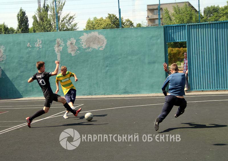 В Ужгороді журналісти зіграли у міні-футбол