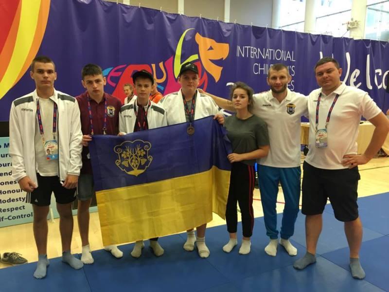 Юні ужгородські спортсмени привезли 4 медалі з Міжнародних дитячих ігор в Єрусалимі