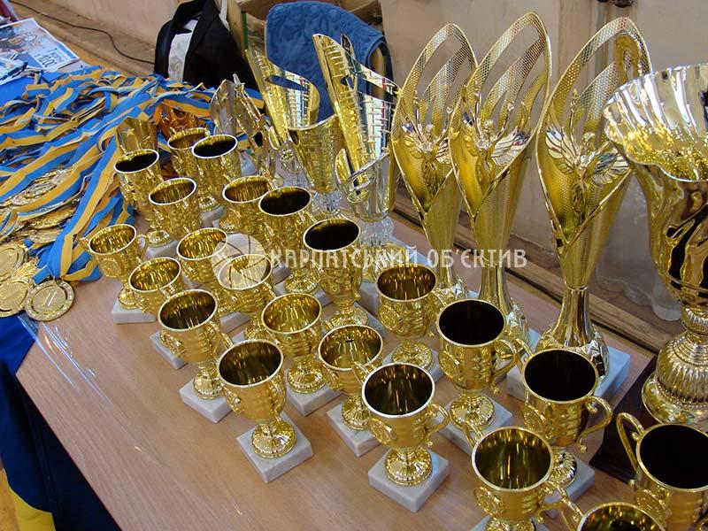 Запеклі та видовищні бої: Хуст приймав чемпіонат області з кікбоксингу й чемпіонат міста зі змішаних єдиноборств