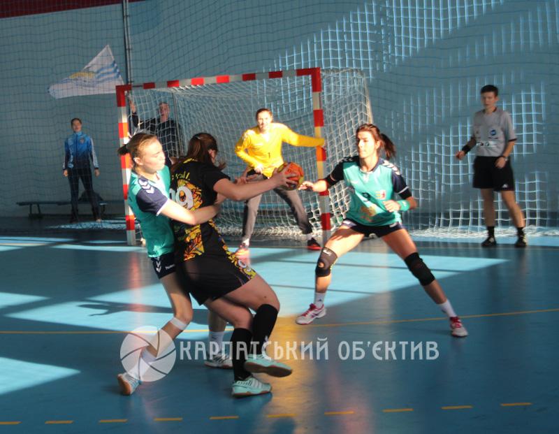 Ужгородські «Карпати» та миколаївський «Реал» подарували вболівальникам видовищні матчі. ФОТО