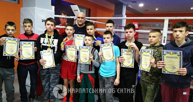 Хустські боксери показали клас на обласному чемпіонаті. ФОТО