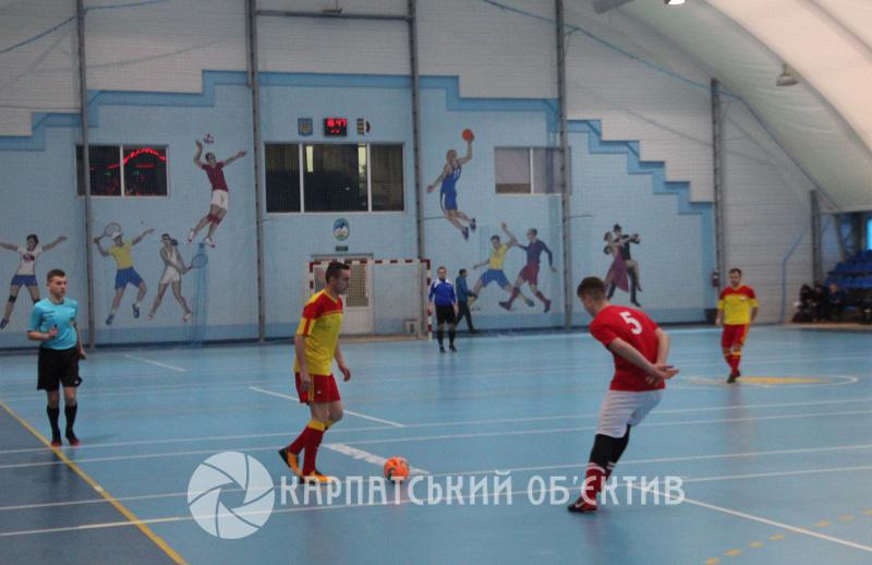 Закарпатські футзальні команди стартували у плей-оф Другої ліги України. ФОТО