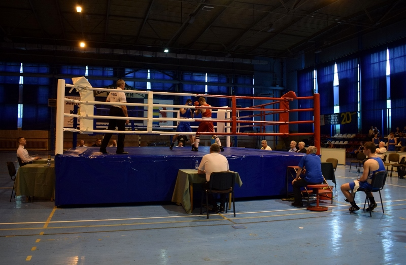 У спорткомплексі «Юність» триває чемпіонат Ужгорода з боксу