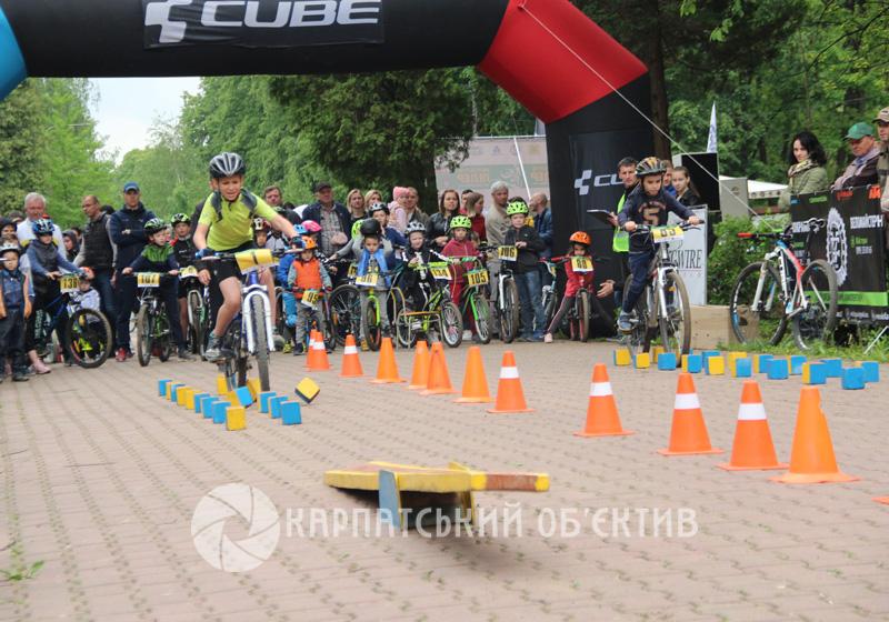 В Ужгороді відбулося свято велоспорту. ФОТО