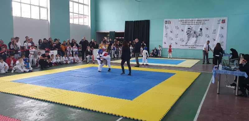 У Берегові пройшли спортивні змагання з годзю-рю карате