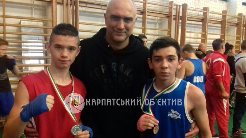 Юний хустський боксер став срібним призером престижного міжнародного турніру в Угорщині. ФОТО