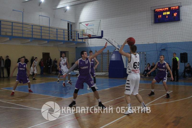 Захопливі та інтригуючі протистояння ужгородських і калушських баскетболістів. ФОТО