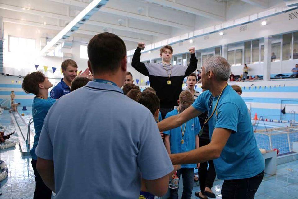 Учасники ВК «Ужгород» отримали золоті медалі на першості міста з водного поло