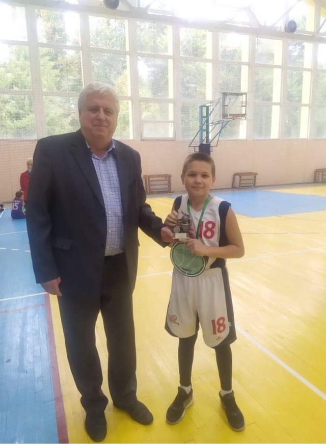Ужгородські баскетболісти тріумфували на традиційному турнірі